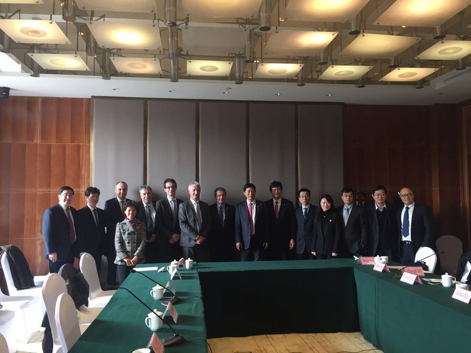 Voyage officiel du Premier Ministre en Chine, visite du laboratoire P4 de Wuhan 6-29-610