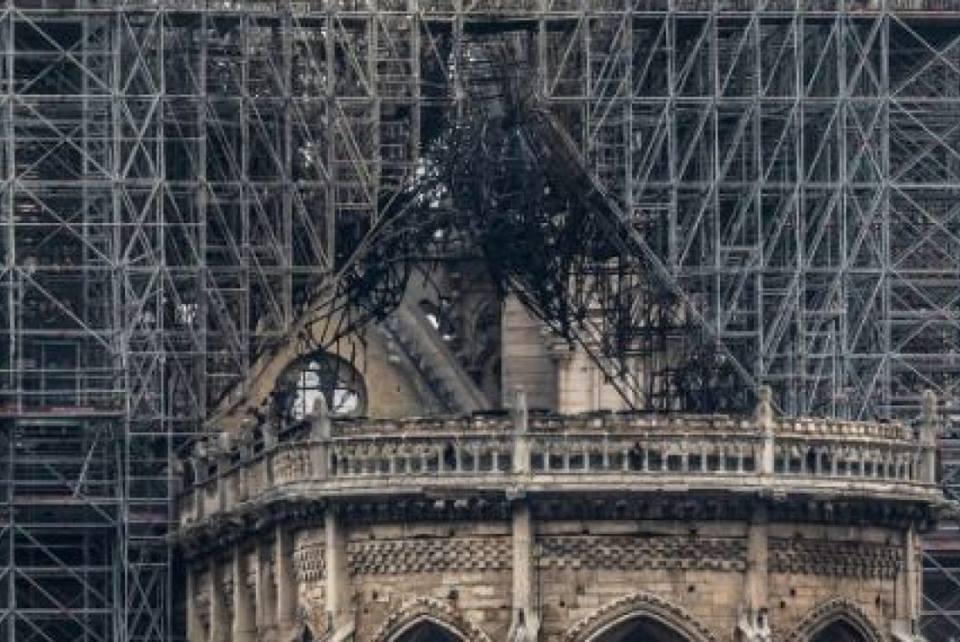 Le drame de Notre Dame B10
