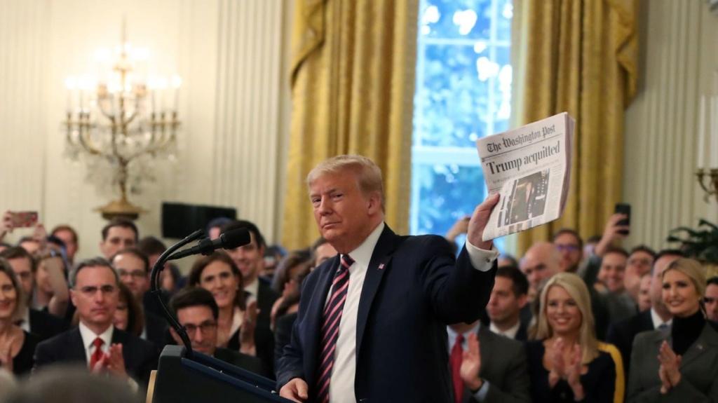 """Après son acquittement, Donald Trump traite ses adversaires politiques de """"malhonnêtes"""" et de """"corrompus"""" Df346c10"""