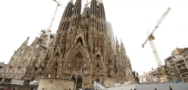 Barcelone, la Sagrada Familia obtient (enfin) son permis de construire 137 ans après E3829b10