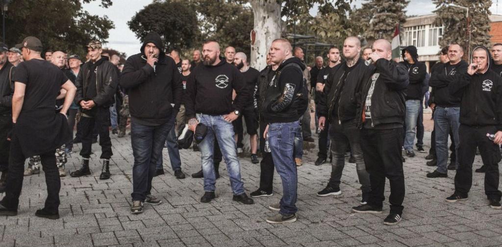 Hongrie : une nouvelle milice d'extrême droite anti-Roms Hongri10
