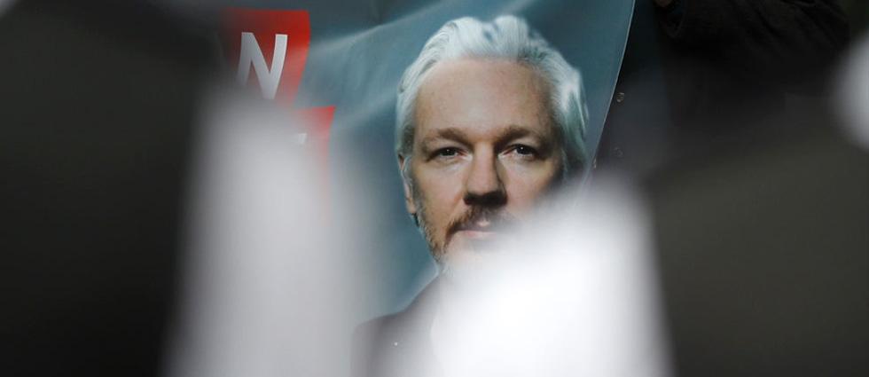 Le tribunal de Londres décide de laisser Julian Assange en prison Julian10