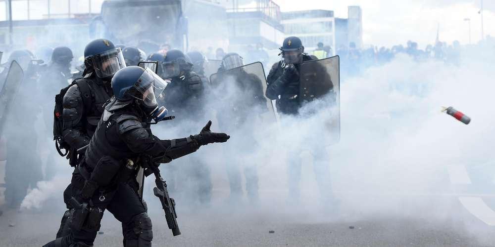 """Violences policières : des familles de victimes lancent une application pour """"filmer la police"""" L-asso10"""