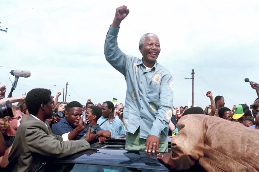 Nelson Mandela : Du criminel au héros international Mandel10