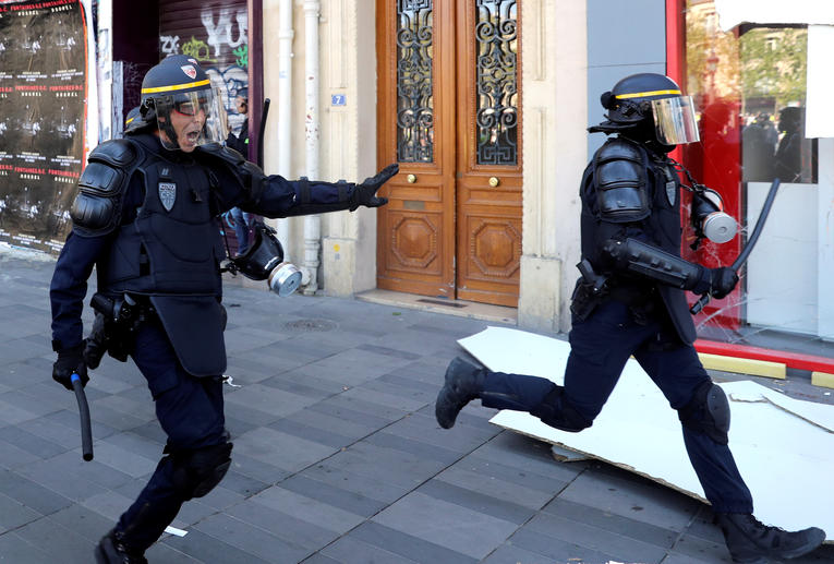 Vu d'Allemagne. Violences policières, la police française trop violente ? Police14
