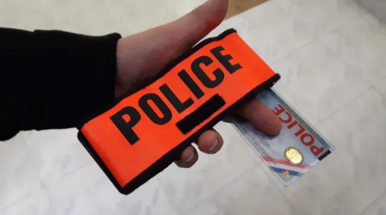 """""""Le 1er décembre, l'Élysée aurait pu tomber"""" : un CRS raconte le chaos des """"gilets jaunes"""" l'hiver dernier Police16"""