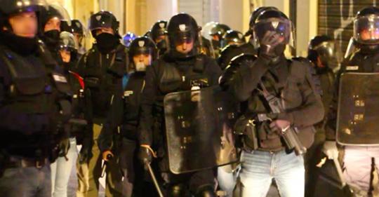 Violences policières : les images décryptées Safe_i12