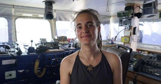 Carola Rackete, la capitaine du Sea-Watch, déclarée libre par la justice italienne Safe_i48