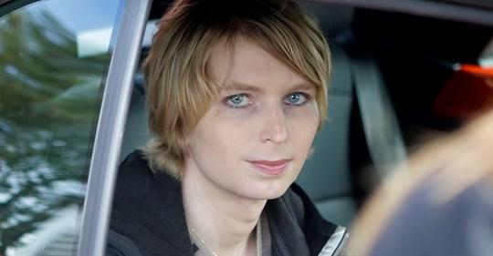 Chelsea Manning emprisonnée sans inculpation depuis six mois pour avoir refusé de témoigner contre Julian Assange Safe_i56