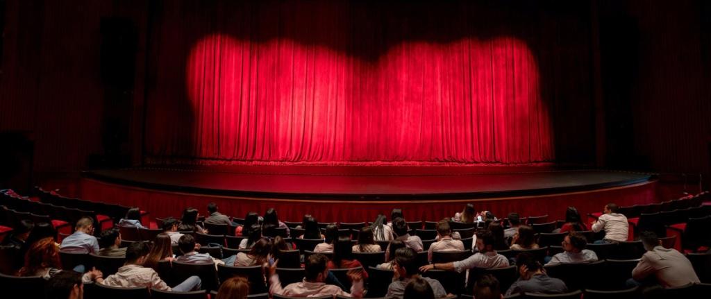 """""""Tout le monde sait mais personne ne bouge"""" : le théâtre public français face aux violences sexuelles Scene-10"""