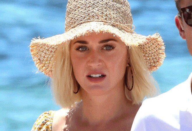Katy Perry  - Σελίδα 41 Ebw_wx10