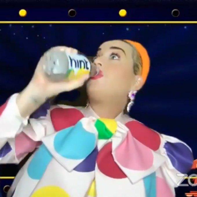 Katy Perry  - Σελίδα 16 Efkpta10
