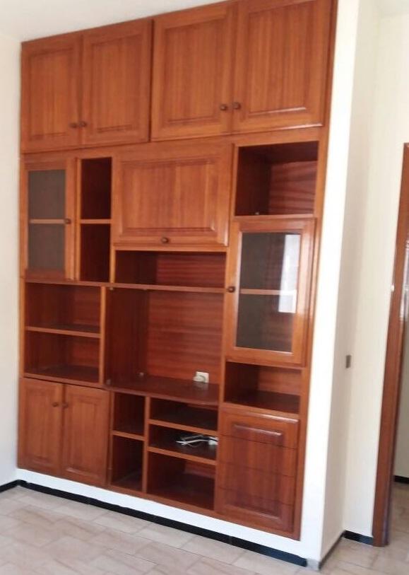 Déco chambre d'enfant avec placard bois verni Chambr10