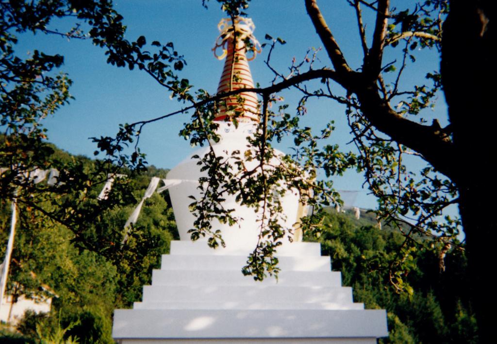 Les stupas en Europe Gom_0310
