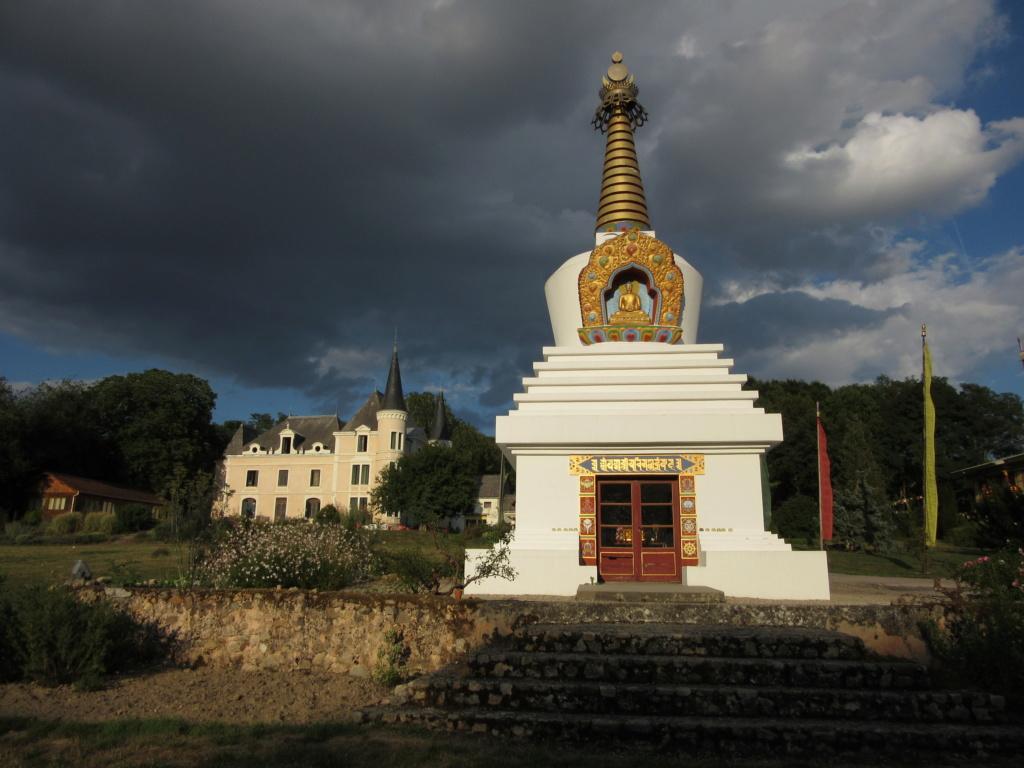 Les stupas en Europe Red_0010