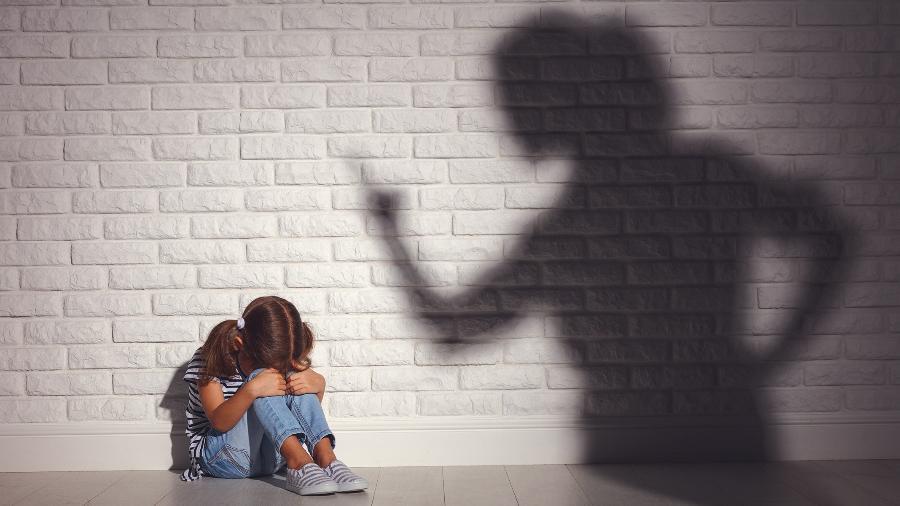 "Terapeuta fala da mãe narcisista: ""Ela tentou me matar algumas vezes"" Mae-na10"