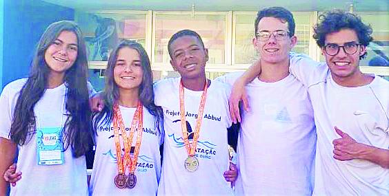Natação conquista três medalhas nos Jogos Escolares Matzor15