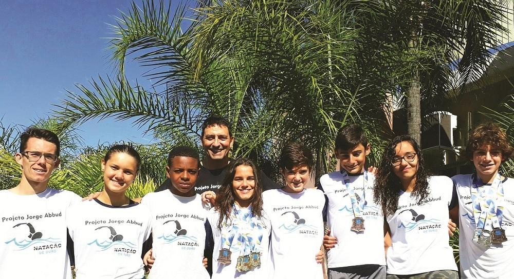 Natação sanjoanense conquista medalhas em Votuporanga Vf10