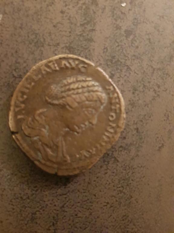Pièces romaines 15472312