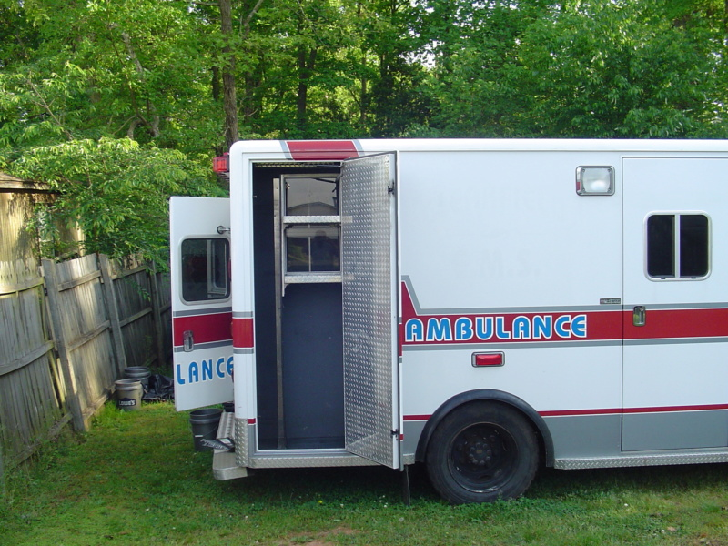 OFF-GRID AMBULANCE CONVERSION PROJECT Dsc00814