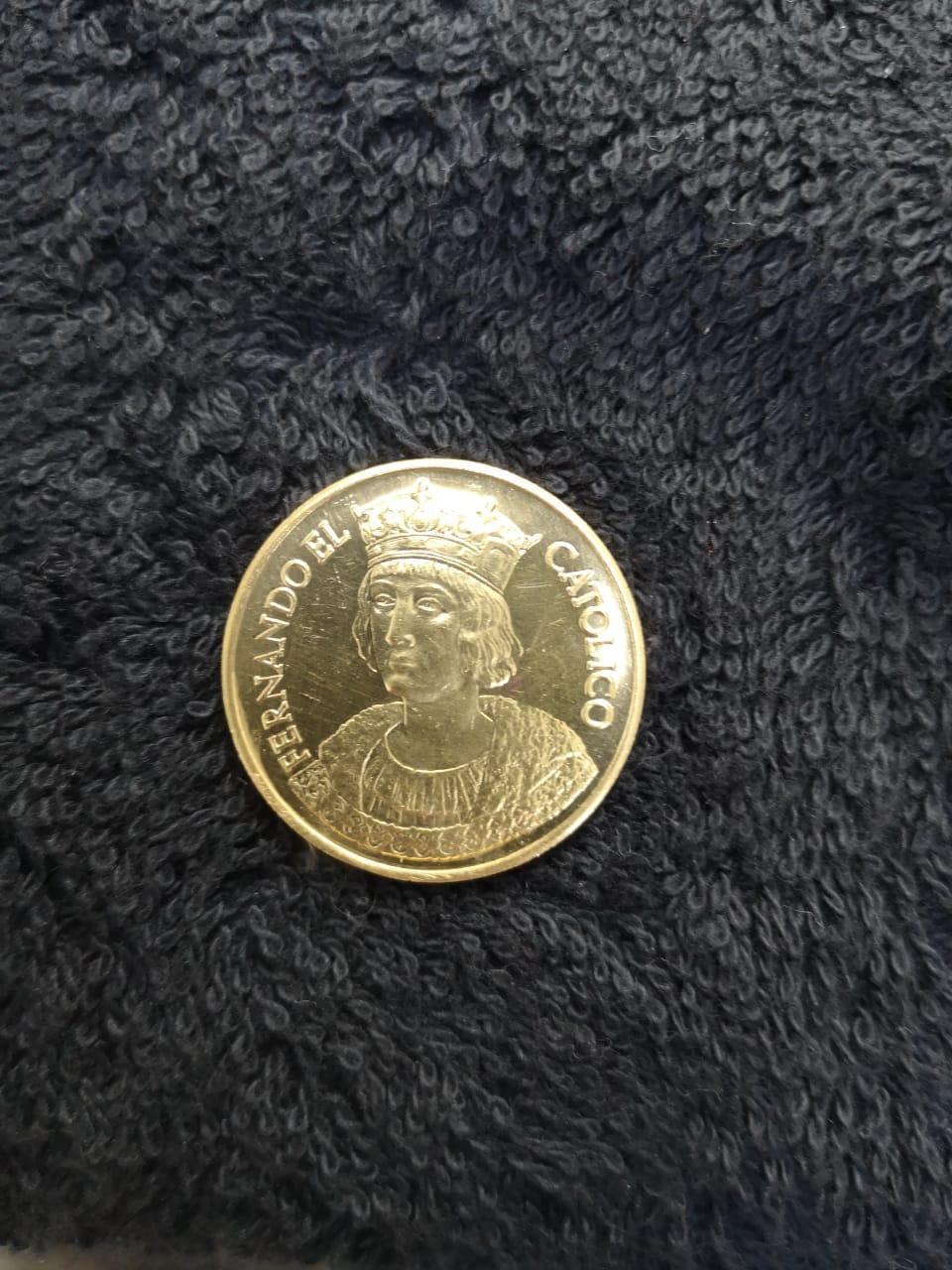 Medalla Fernando El Católico Whatsa14