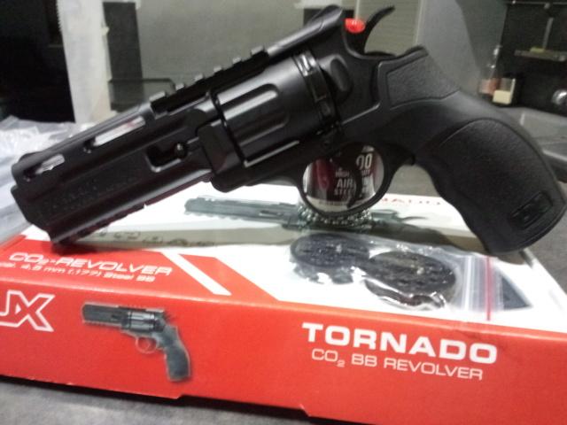 TORNADO Umarex 4.5mm bb's Img_2094