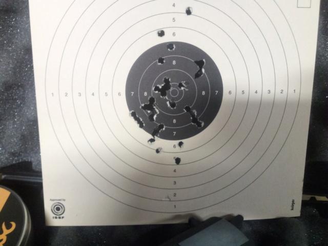 Précision pistolets Umarex- Différences - Page 3 Img_2521