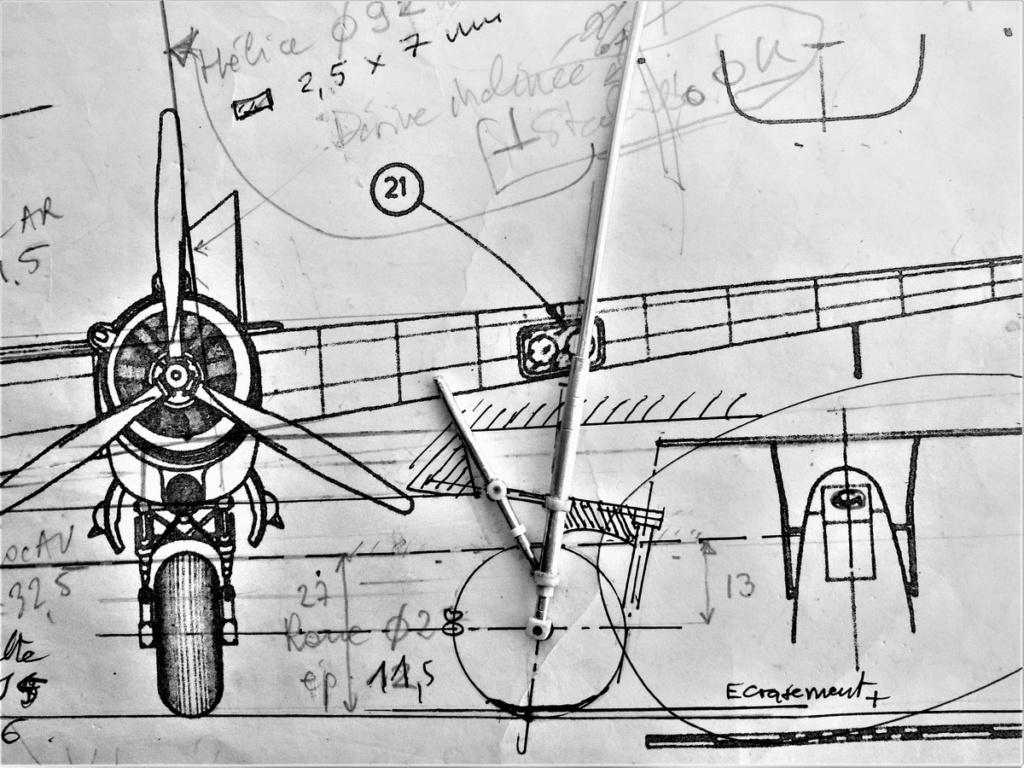 """Armstrong-Whitworth AW 41 """"ALBEMARLE"""" au 1/48 scratch en bois massif (Projet AA): préparation à la peinture - Page 9 1415"""
