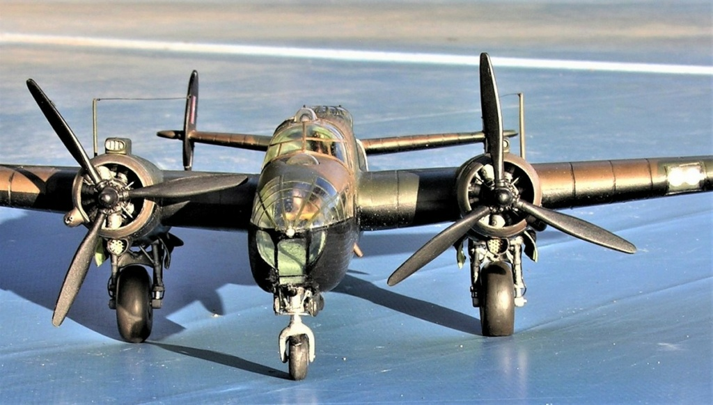 Armstrong Whitworth AW 41 ALBEMARLE 1/48 scratch en bois massif (Projet AA) : photos du modèle fini et historique de sa dernière mission. Emballage pour Expo des 4 & 5 septembre - Page 2 3216