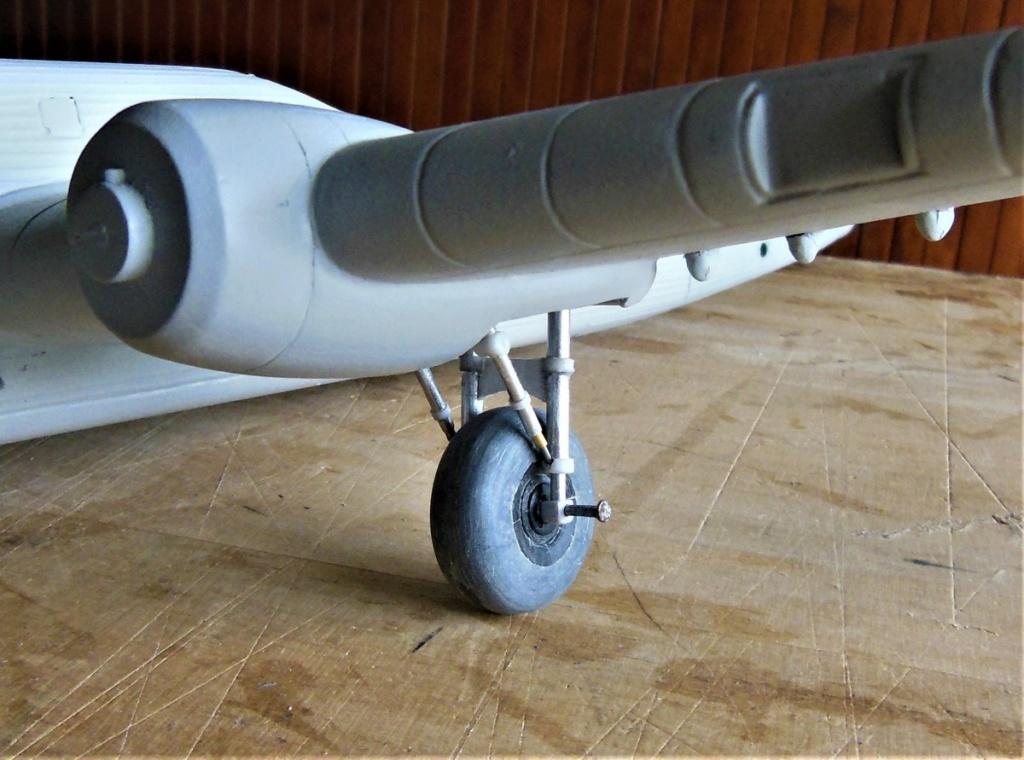 """Armstrong-Whitworth AW 41 """"ALBEMARLE"""" au 1/48 scratch en bois massif (Projet AA): préparation à la peinture - Page 9 3316"""