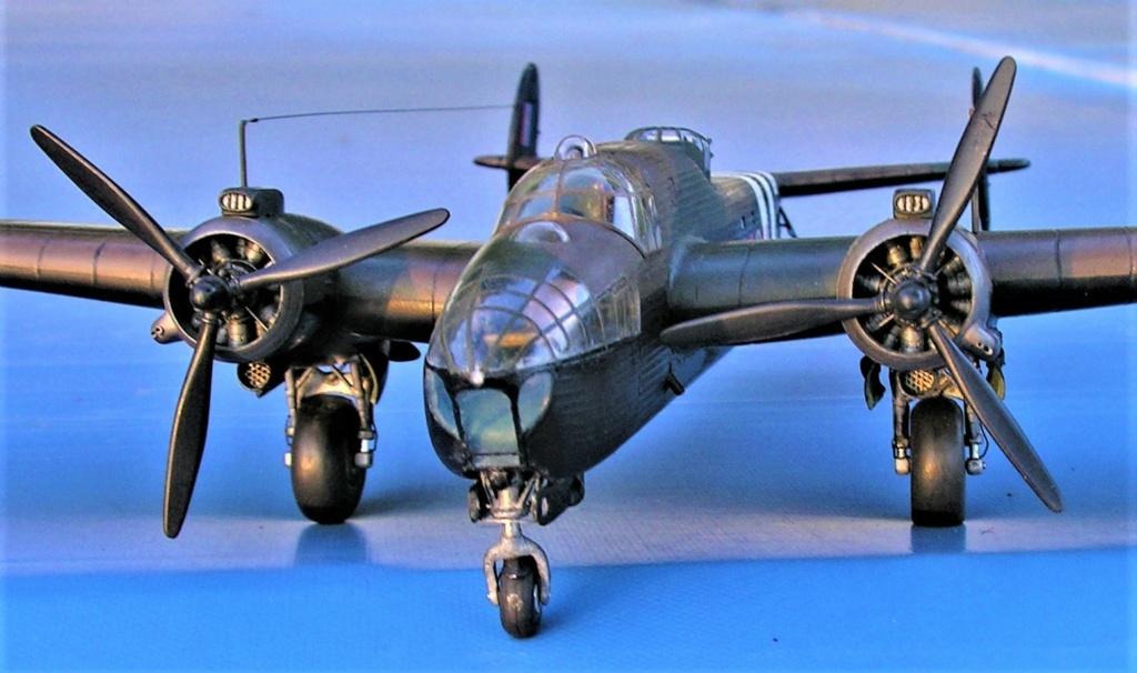 Armstrong Whitworth AW 41 ALBEMARLE 1/48 scratch en bois massif (Projet AA) : photos du modèle fini et historique de sa dernière mission. Emballage pour Expo des 4 & 5 septembre - Page 2 3417