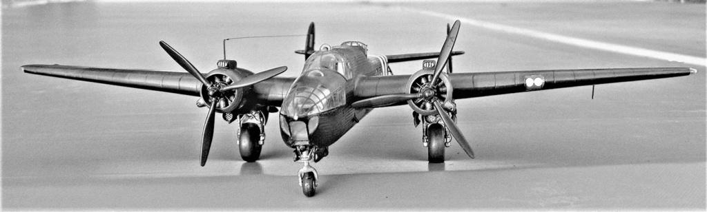 Armstrong Whitworth AW 41 ALBEMARLE 1/48 scratch en bois massif (Projet AA) : photos du modèle fini et historique de sa dernière mission. Emballage pour Expo des 4 & 5 septembre - Page 2 4217
