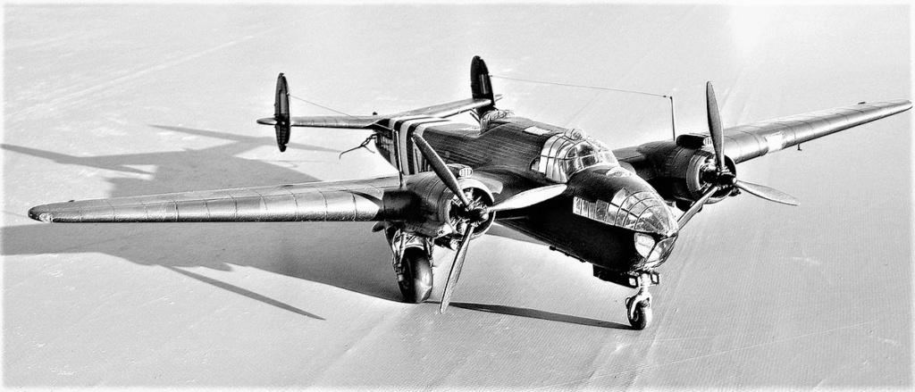 Armstrong Whitworth AW 41 ALBEMARLE 1/48 scratch en bois massif (Projet AA) : photos du modèle fini et historique de sa dernière mission. Emballage pour Expo des 4 & 5 septembre - Page 2 4417