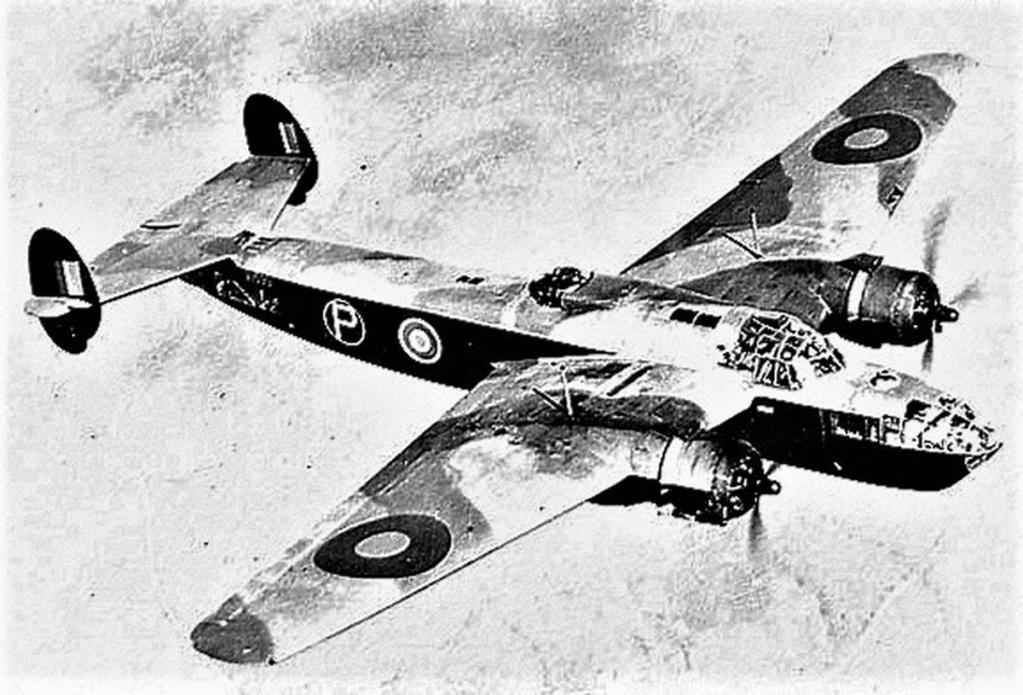 Armstrong Whitworth AW 41 ALBEMARLE 1/48 scratch en bois massif (Projet AA) : photos du modèle fini et historique de sa dernière mission. Emballage pour Expo des 4 & 5 septembre - Page 2 4718