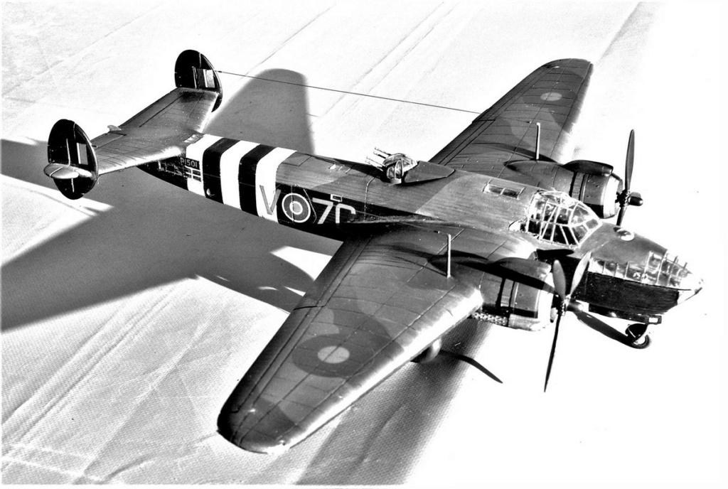 Armstrong Whitworth AW 41 ALBEMARLE 1/48 scratch en bois massif (Projet AA) : photos du modèle fini et historique de sa dernière mission. Emballage pour Expo des 4 & 5 septembre - Page 2 4818