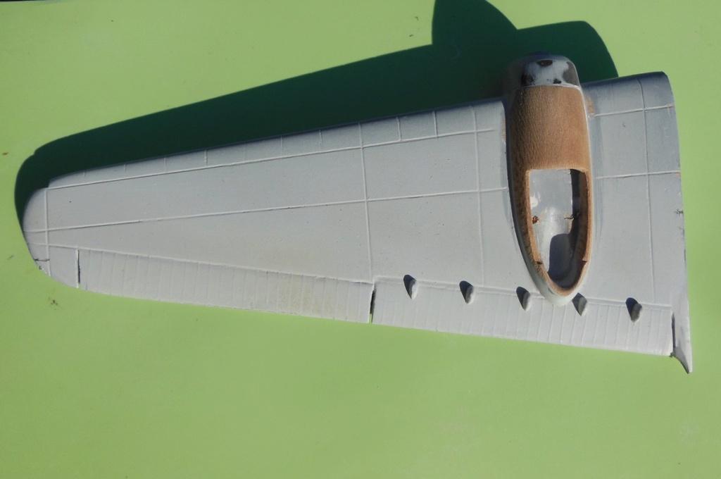 """Armstrong-Whitworth AW 41 """"ALBEMARLE"""" au 1/48 scratch en bois massif (Projet AA): préparation à la peinture - Page 9 8910"""