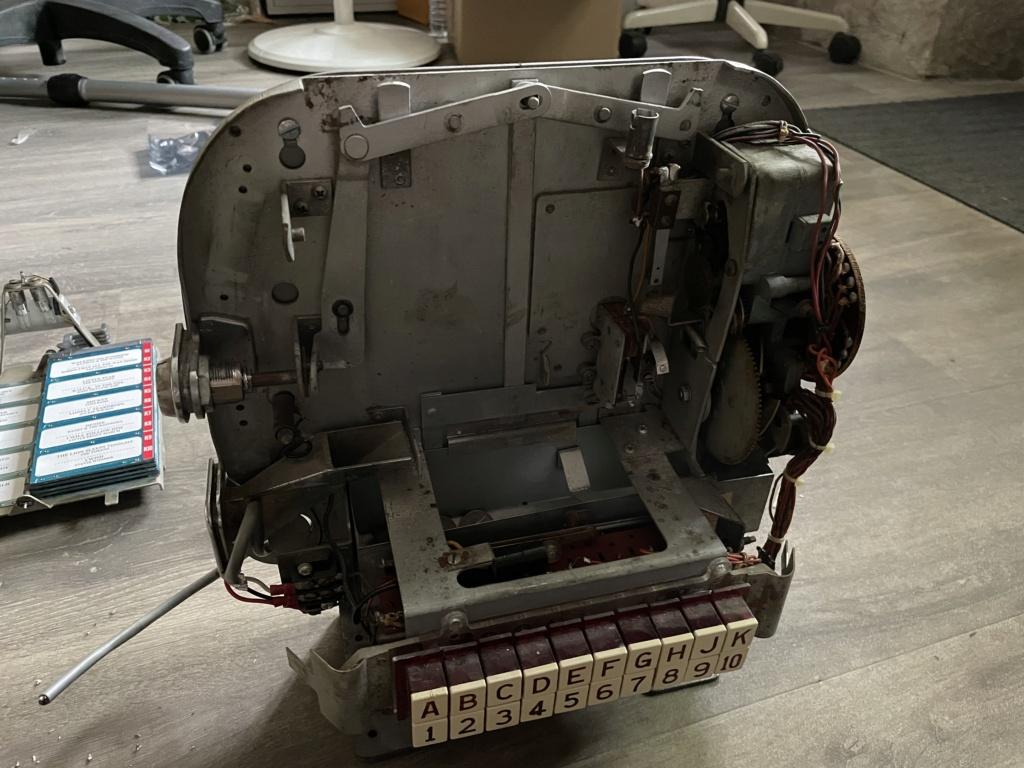 [WIP] Seeburg 3W1 - Wallbox de 1950 - télécommande analogique / numérique  712b7310