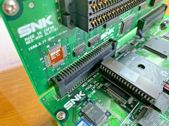 """Slot MV1B en mode """"chargement vertical"""" S-l16011"""