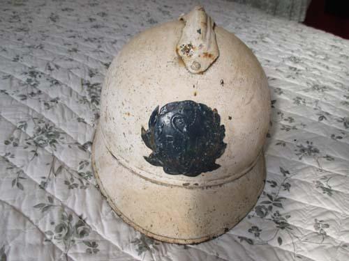 Un autre casque Adrian suspect Img_1815