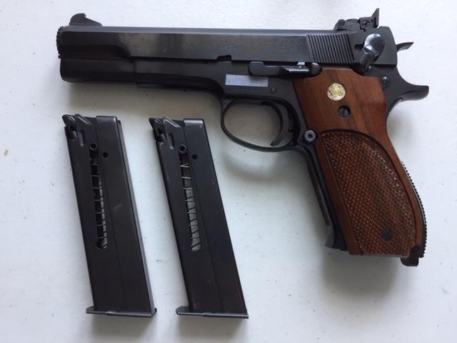 **SOLD** Sams Custom Gunworks Beretta 92 M52_b11