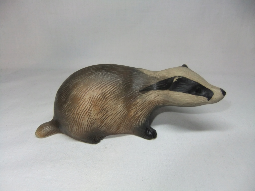 Anyone recognize the mark on this pottery badger? Dscf0011