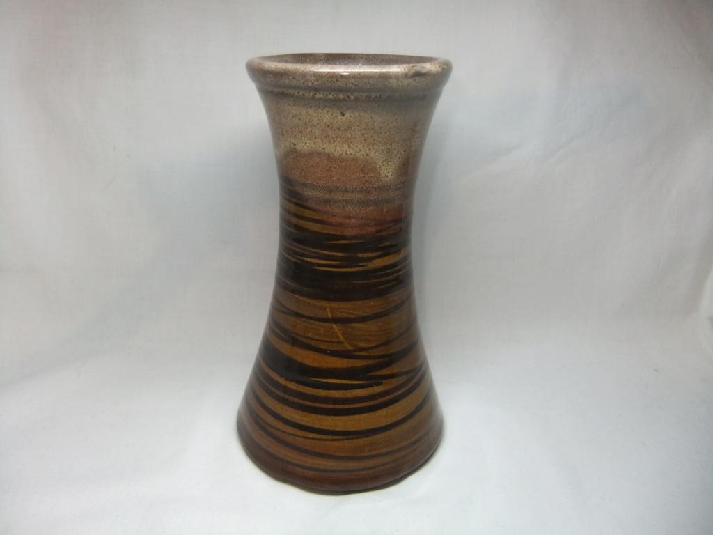 Vase, Warwick Castle - Jan Bunyan, Westgate Pottery, Warwick   Dscf1315