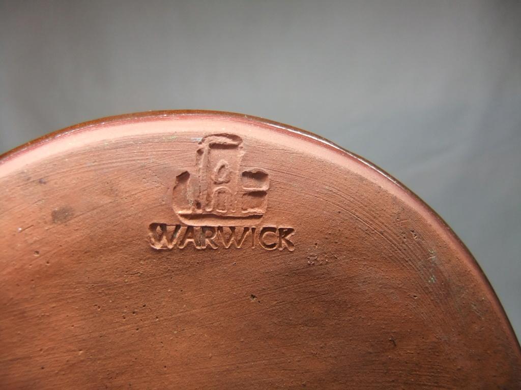 Vase, Warwick Castle - Jan Bunyan, Westgate Pottery, Warwick   Dscf1316
