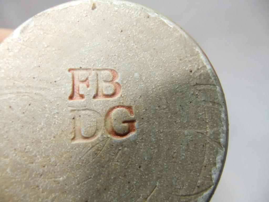 egg cup, FB DG mark - Fred Bramham & Dorothy Gorst Dscf1319