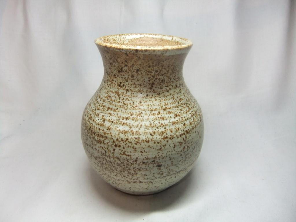Black Mountain Pottery Wales? Dscf2513
