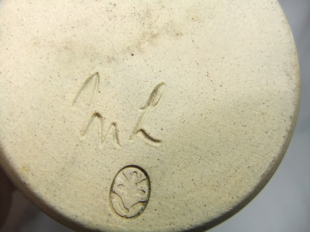 Vase Marked ML With Additional Mark? Dscf4524