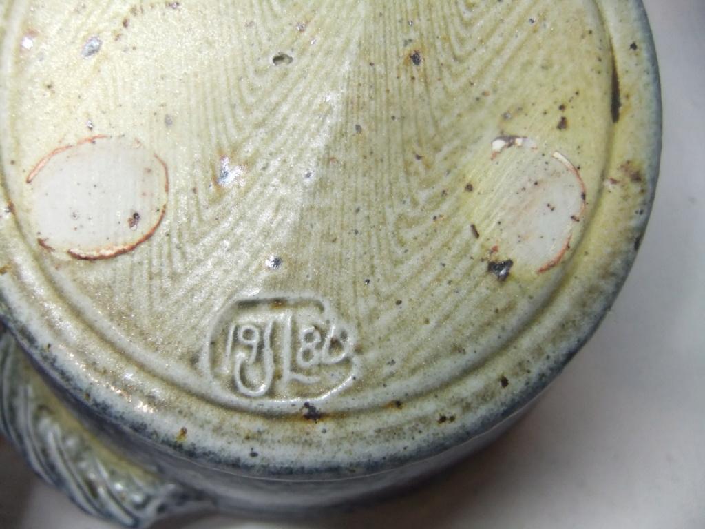 Salt Glazed Dish Marked JL 1986? Dscf5111