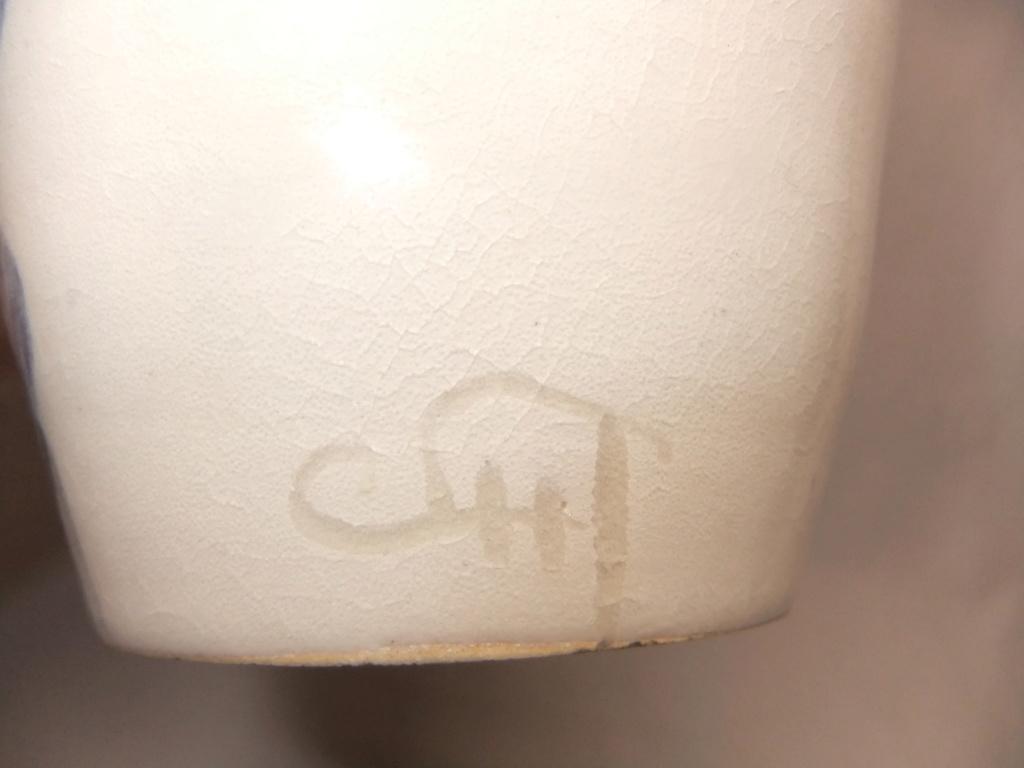 Pottery Blue Vase... Colin Hatfield? Dscf5613