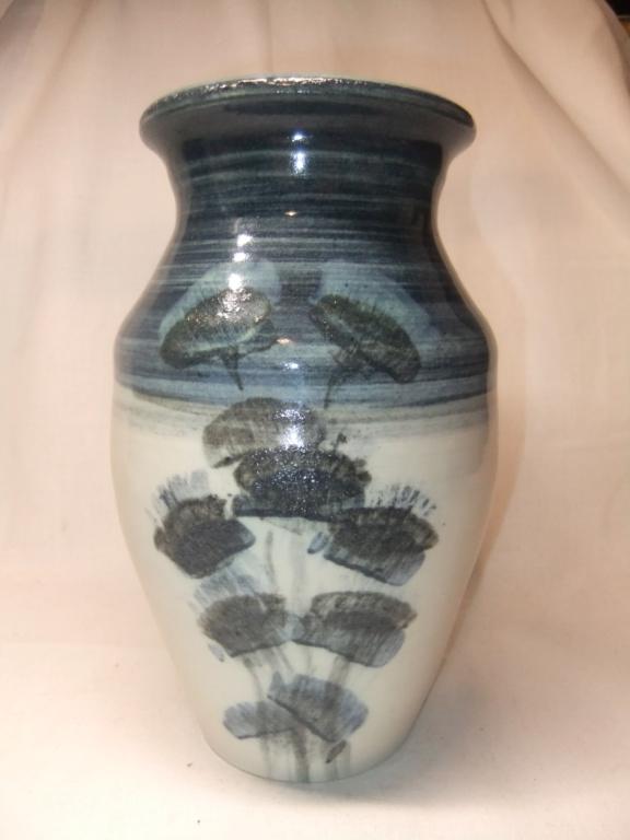 Pottery Blue Vase... Colin Hatfield? Dscf5615