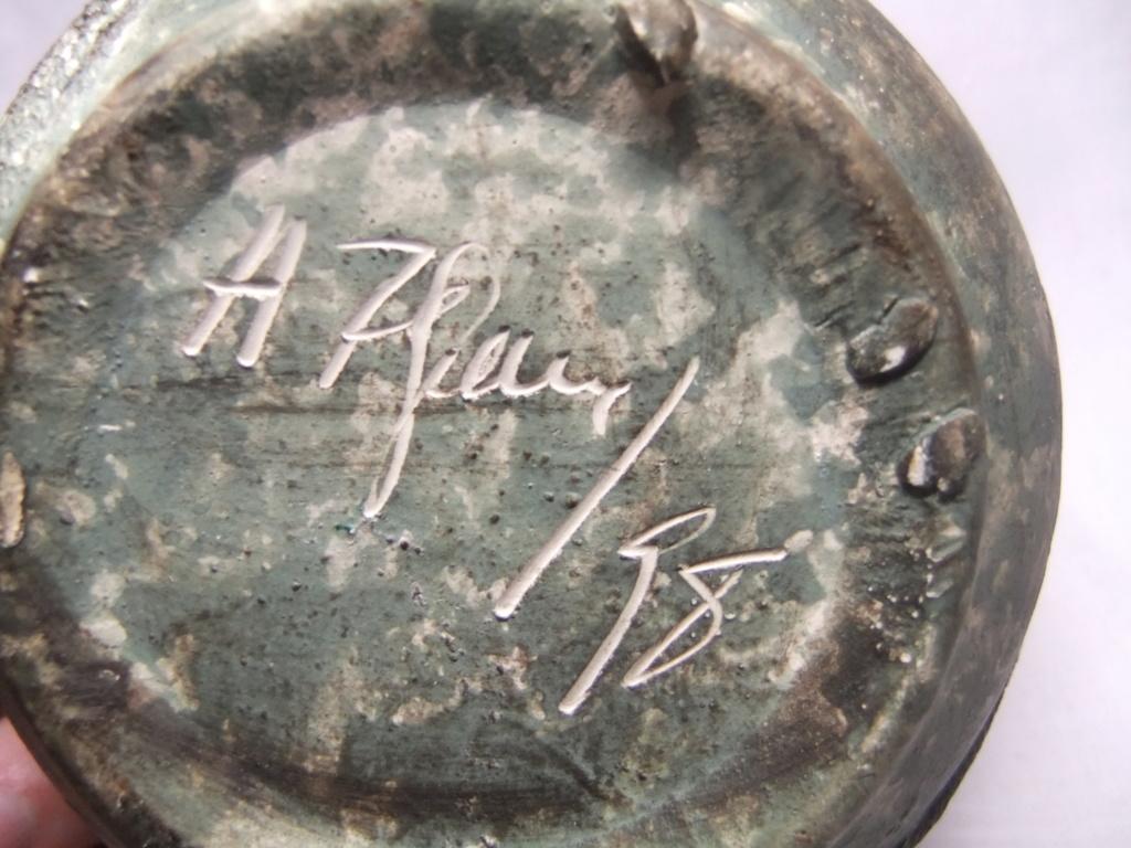 1998 Green Raku Pottery Vase Signed A Or H Something? Dscf5624
